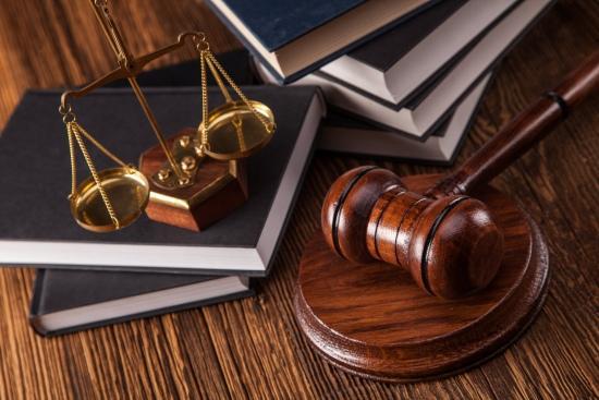 وکیل پایه یک دادگستری - مشاوره - وکیل کیفری و حقوقی - دفتر وکالت -